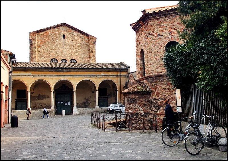>Церковь Святого Духа и Крещальня ариан - Chiesa dello Santo Spirito е Battistero degli Ariani