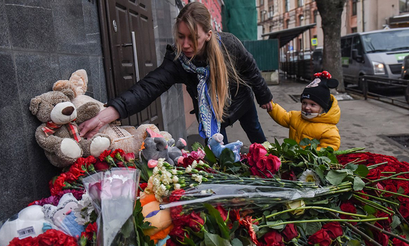 На приходах Московского Патриархата молились о жертвах пожара в Кемерово