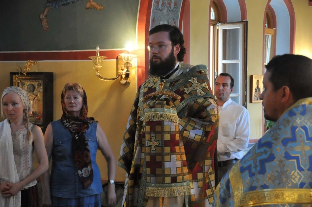 Управляющий приходами в Италии возглавил всенощное бдение на римском приходе