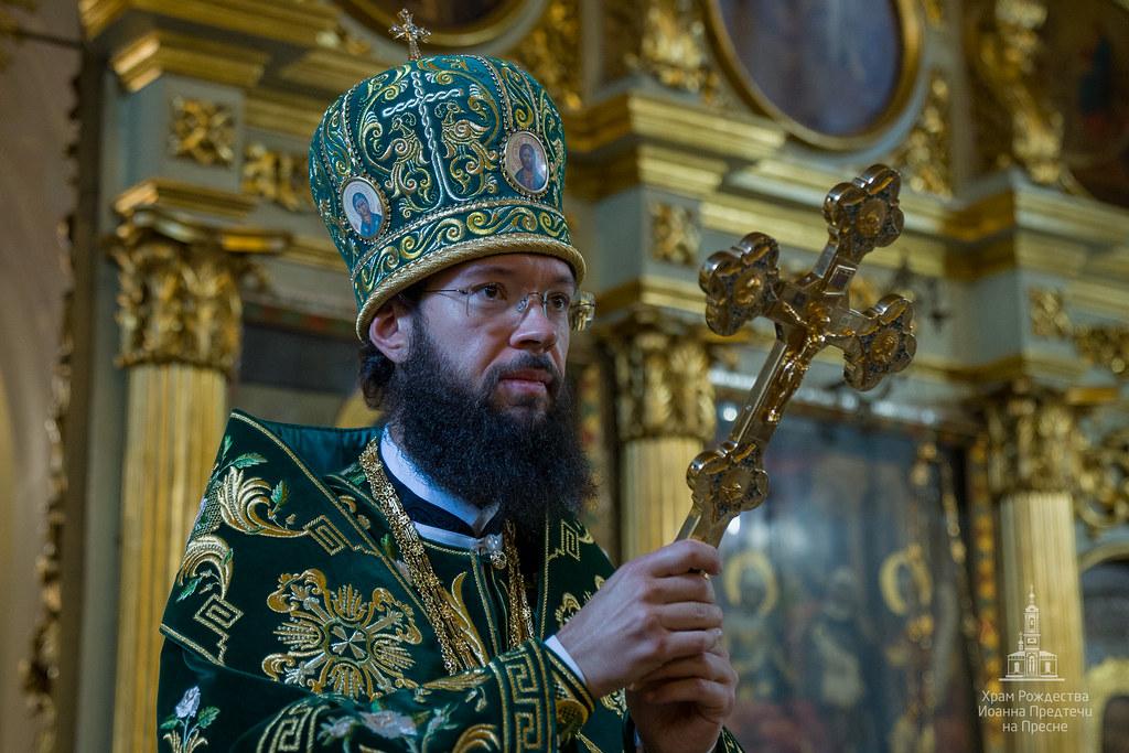 В день своего Тезоименитства митрополит Антоний совершил Божественную Литургию в Иоанно-Предтеченском храме г. Москвы